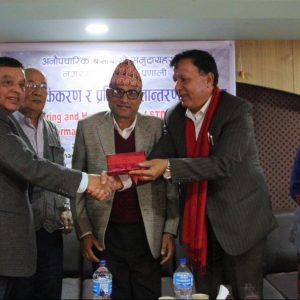 Mr Chhatkuli handing over the LIMS results to Mayor Mr Ban. Photo: Lumanti/Ananta Bajracharya