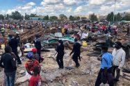 Police at the scene to supervise demolitions at Kariobangi Sewage estate in Kariobangi North (Nairobi, Kenya) on May 4, 2020. Photo: citizentv.co.ke
